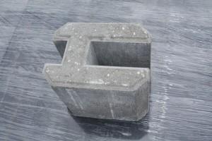 Betónový držiak podhrabovej dosky - priebežný.